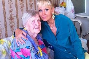 Певица Валерия и мама - фото 2014