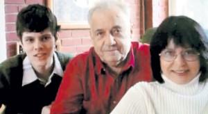 Эльдар Рязанов с дочерью и внуком