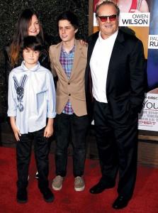 Джек Николсон с дочерью и внуками. Фото