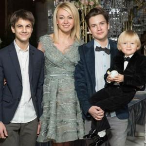 Яна Рудковская с детьми. Фото