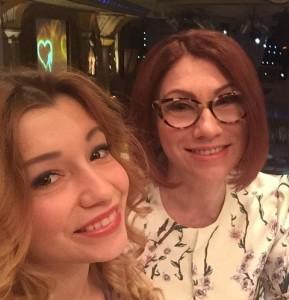 Роза Сябитова с дочерью. Фото