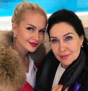 Марина Африкантова с мамой. Фото
