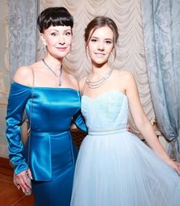 Нонна Гришаева с дочерью. Фото