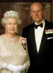 Королева Елизавета II с мужем. Фото