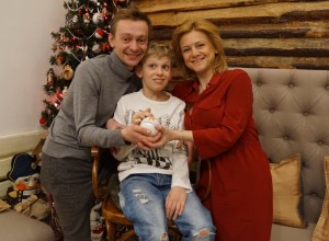 Евгений Кулаков с супругой и сыном. Фото