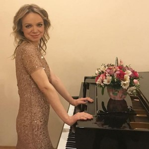 vitalina-cymbalyuk-romanovskaya-kardinalno-menyaet-zhizn-i-uezzhaet-vo-franciyu_1