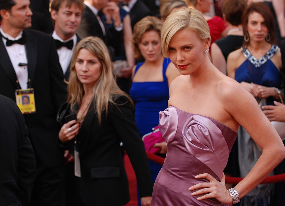 charlize-theron-79562_960_720